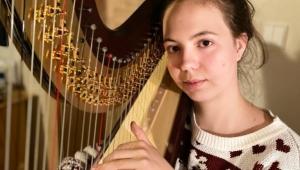 Miriam a její nová vysněná harfa