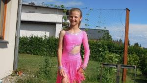 Ten úsměv :-) Přejeme Barče a jejímu tanečnímu partnerovi na parketu hodně štěstí!