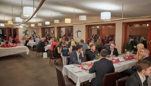 Po prezentaci čekala hosty výborná večeře. Děkujeme úžasnému hotelu Grund Resort za jejich pomoc