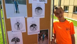Děti si připravili hezkou nástěnku o pomoci Cesty talentu