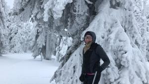 Miluje sport - v zimě ráda vyrazí na běžky...