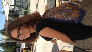 :-) šťastná se svým novým školním batohem :-)