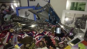 Medaile a poháry, prostě talentovaná lyžařka