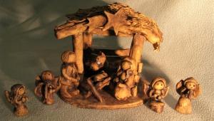 A nejnovější dílo od Danielky, malý betlém z keramiky (povrchová úprava burel)